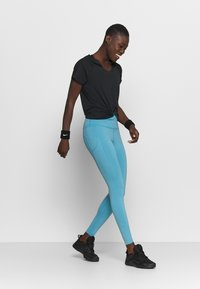Nike Performance - EPIC LUXE - Tights - cerulean/reflective silver - 1