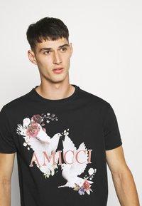 AMICCI - SIRMONE - Print T-shirt - black - 4