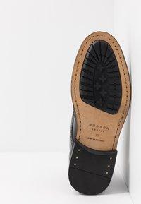 Hudson London - SHERWOOD - Lace-up ankle boots - black - 4