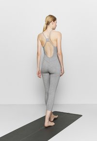 Free People - SIDE TO SIDE PERFORMANCE - Combinaison d'échauffement - grey combo - 2
