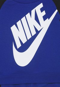 Nike Sportswear - OVERSIZED FUTURA CREW BABY SET - Tuta - game royal - 3