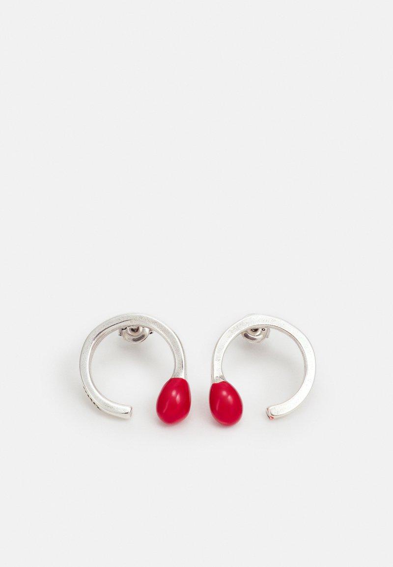 UNOde50 - ITS A MATCH - Orecchini - silver-coloured/red