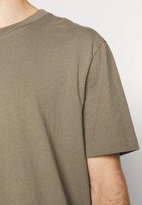 AllSaints - MUSICA CREW - Basic T-shirt - willow taupe - 6