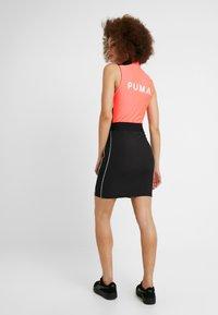Puma - CLASSICS SKIRT - Pouzdrová sukně - black - 2