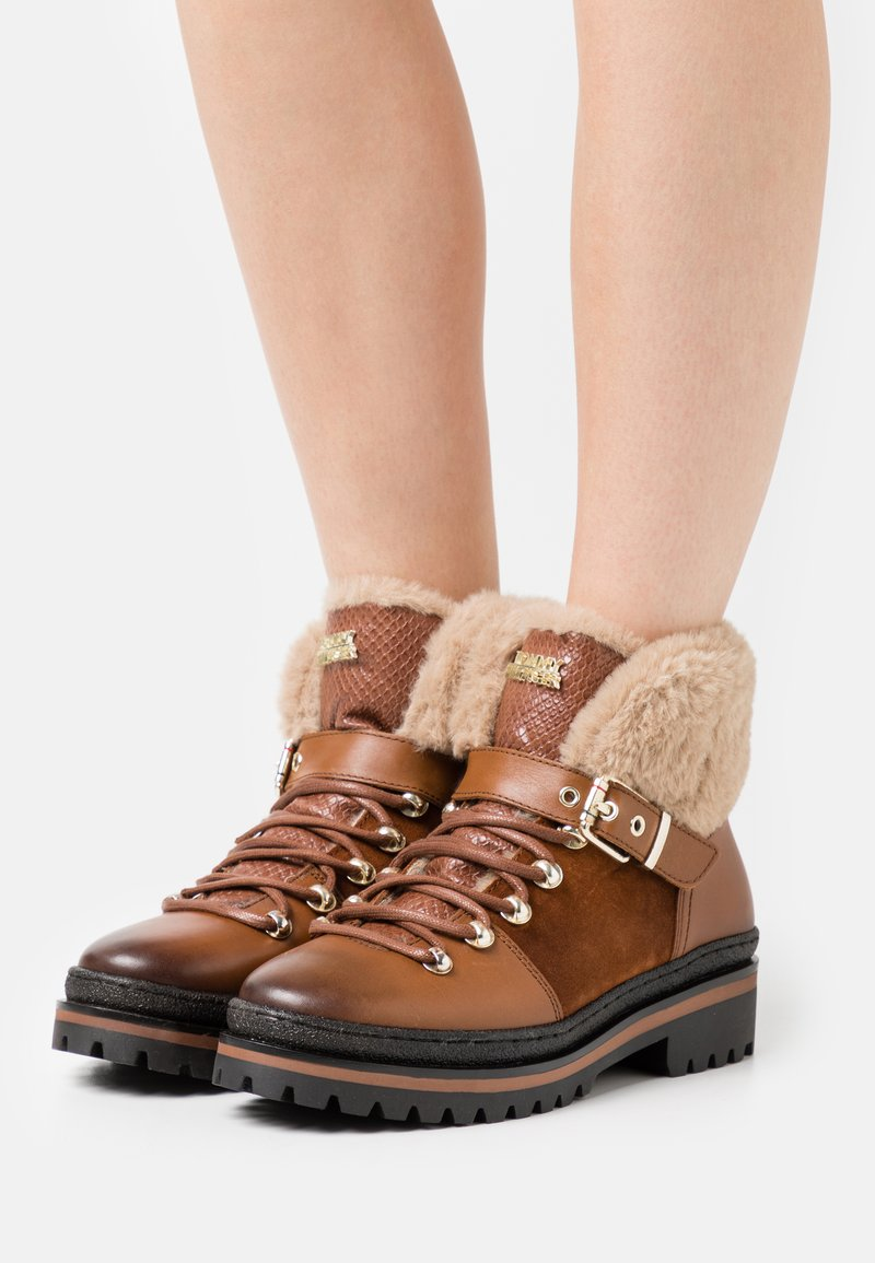 Tommy Hilfiger - NORTH - Lace-up ankle boots - pumpkin paradise