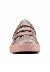 Clarks - CITY OASISLO - Sneakers laag - pink metalic - 6