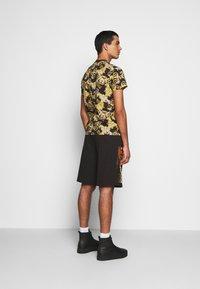 Versace Jeans Couture - PRINT NEW LOGO - T-shirt imprimé - nero - 2