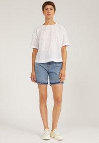 ARMEDANGELS - FREYMAA - Denim shorts - medium washed - 1
