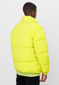 Bershka - Winter jacket - green - 2
