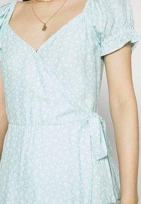 Hollister Co. - SPRING FLOATER WRAP DRESS - Kjole - blue - 5