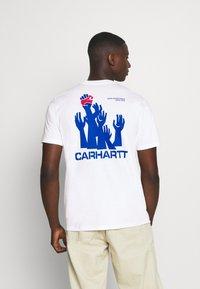 Carhartt WIP - HARTTBREAKER - Print T-shirt - white - 2