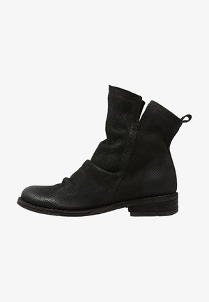 GREDO - Classic ankle boots - black