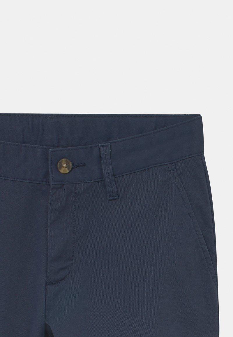 Chinos beige navy blazer Guide: Basic