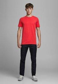 Jack & Jones - Camiseta básica - true red - 1