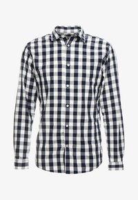 JJEGINGHAM - Camisa - white/mixed navy