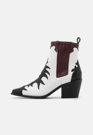 EVITA - Cowboy/biker ankle boot - black