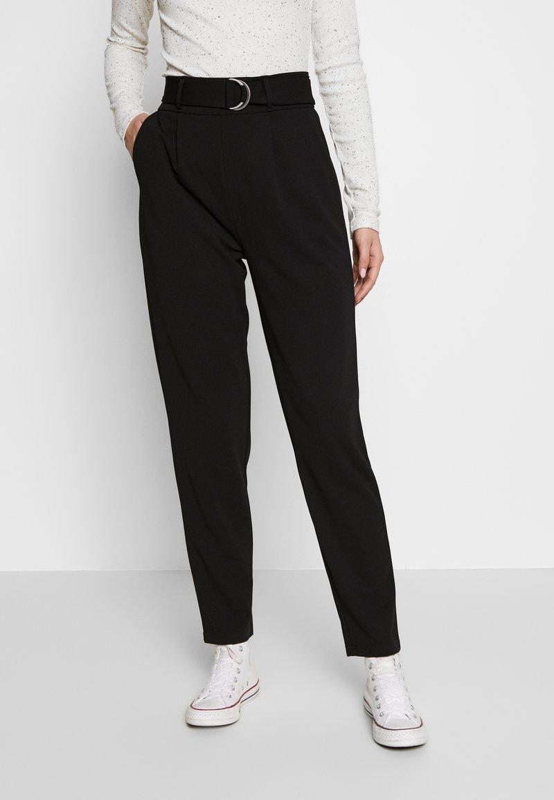 PIECES Tall - PCNALA  ANKLE PANTS - Pantalon classique - black