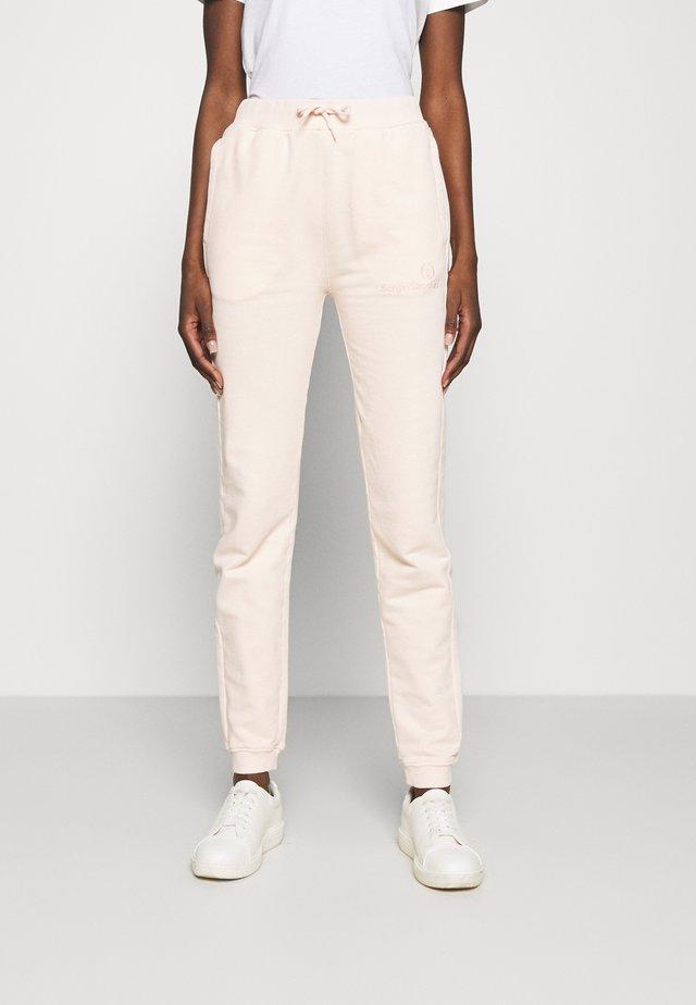 AMANDA PANTS - Teplákové kalhoty - pearl blush