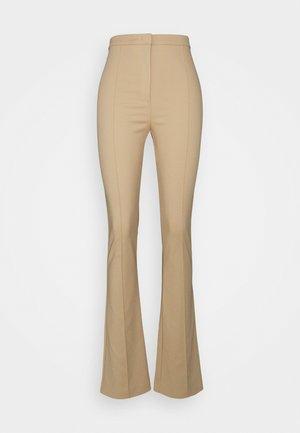 PANTALONI TROUSERS - Pantalon classique - triking beige