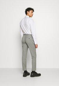 Michael Kors - SLIM FIT SUIT - Suit - grey - 5