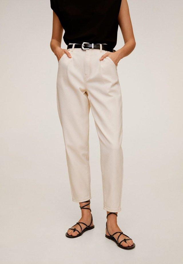 REGINA - Jeans Straight Leg - råhvid