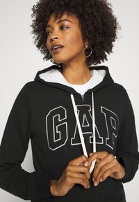 GAP - Mikina na zip - true black - 4