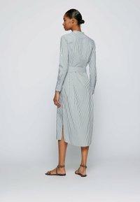 BOSS - DEFELIZE - Robe chemise - light green - 2