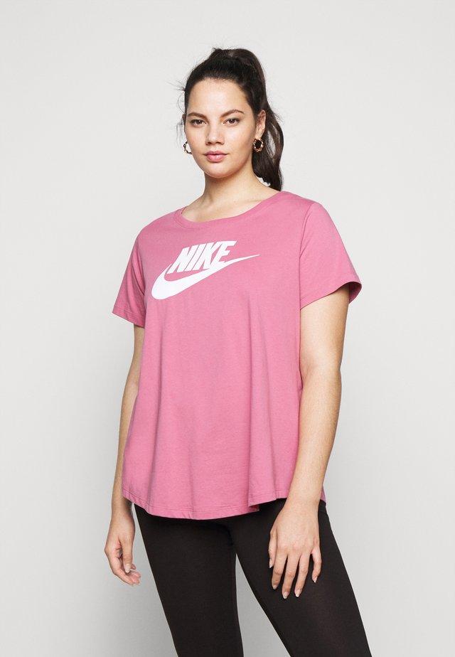 TEE FUTURA PLUS - Camiseta estampada - desert berry
