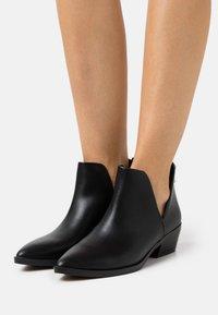 Madden Girl - ZANDER - Ankle boots - black paris - 0