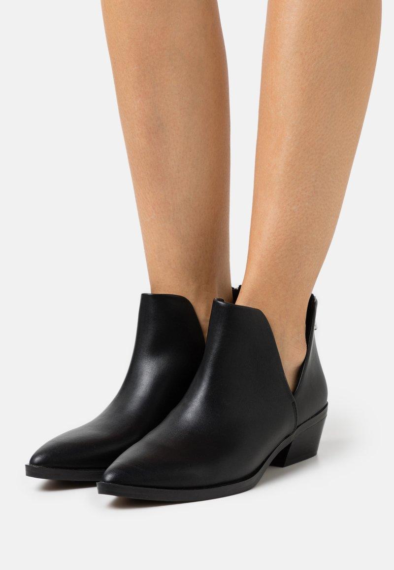 Madden Girl - ZANDER - Ankle boots - black paris