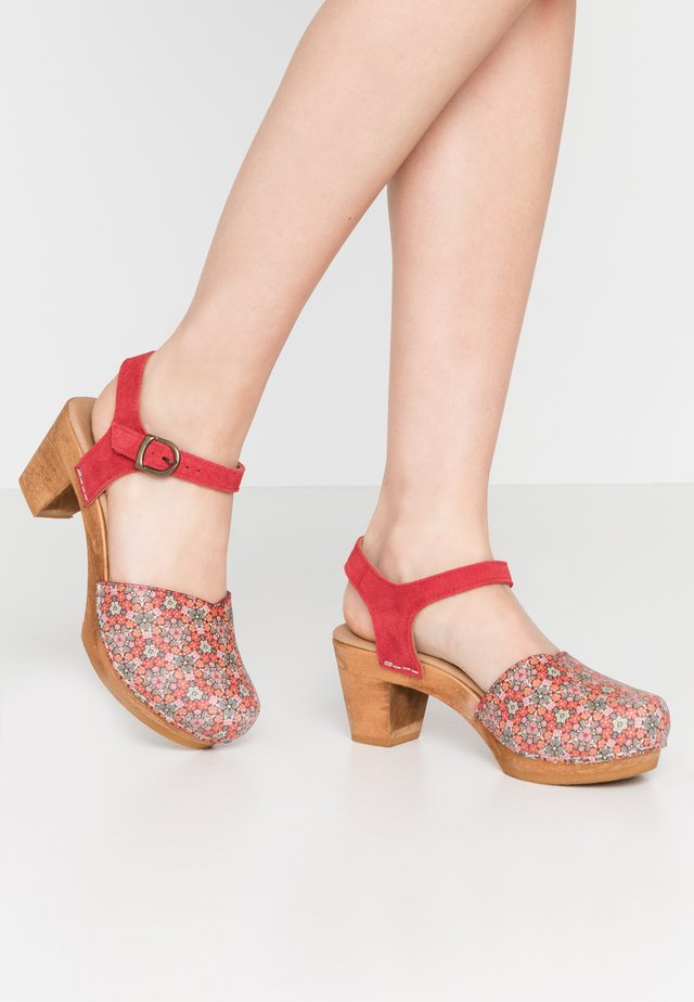 RONJA SQUARE - Clogs - red