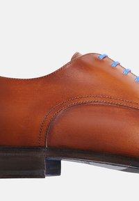 SHOEPASSION - NO. 5572 BL - Smart lace-ups - cognac - 5
