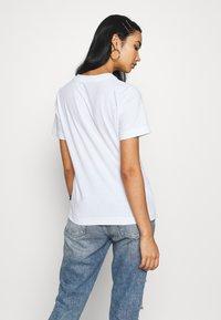 Dedicated - MYSEN RABBIT EXERCISE - Print T-shirt - white - 2
