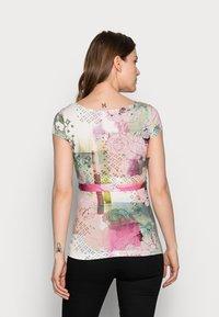 9Fashion - SOLANGE  - Print T-shirt - mottled light pink - 2