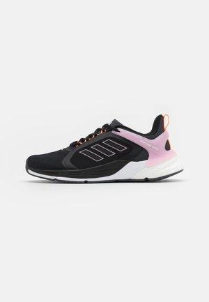 RESPONSE SUPER 2.0 - Juoksukenkä/neutraalit - core black/footwear white/clear pink