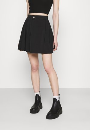 PLEATED SIDE POCKET DETAIL SKIRT - Minikjol - black
