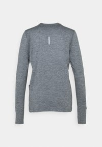 Nike Performance - W NK ELEMENT  - Langærmede T-shirts - smoke grey/lightt smoke grey/heathre/silver - 1