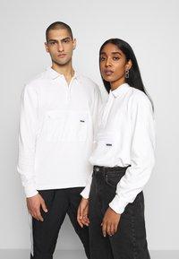 WAWWA - WAWWA UNISEX JONAH RUGBY  - Sweatshirt - white - 0