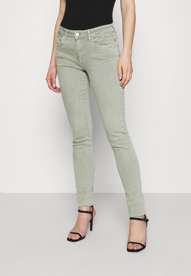 Mavi - ADRIANA - Jeans Skinny Fit - seagrass
