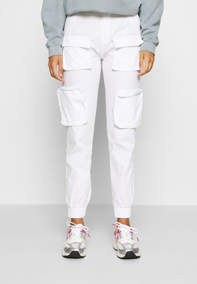 MULTIPLE POCKET - Pantalon cargo - offwhite