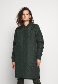 Selected Femme - SLFNATALIA QUILTED COAT - Bomber Jacket - scarab - 0