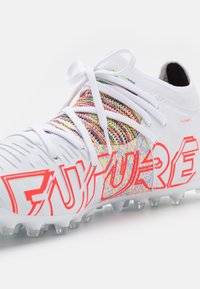 Puma - FUTURE Z 3.1 MG - Moulded stud football boots - white/red blast - 5