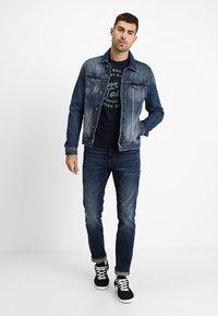 TOM TAILOR - JOSH - Slim fit jeans - mid stone wash denim - 1