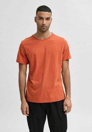 SLHMORGAN - Print T-shirt - ochre
