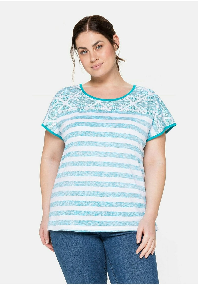 Sheego - Print T-shirt - weiß bedruckt