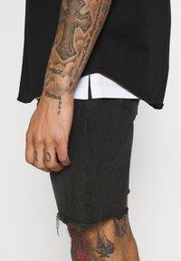 Redefined Rebel - RROSAKA - Denim shorts - marble black - 3
