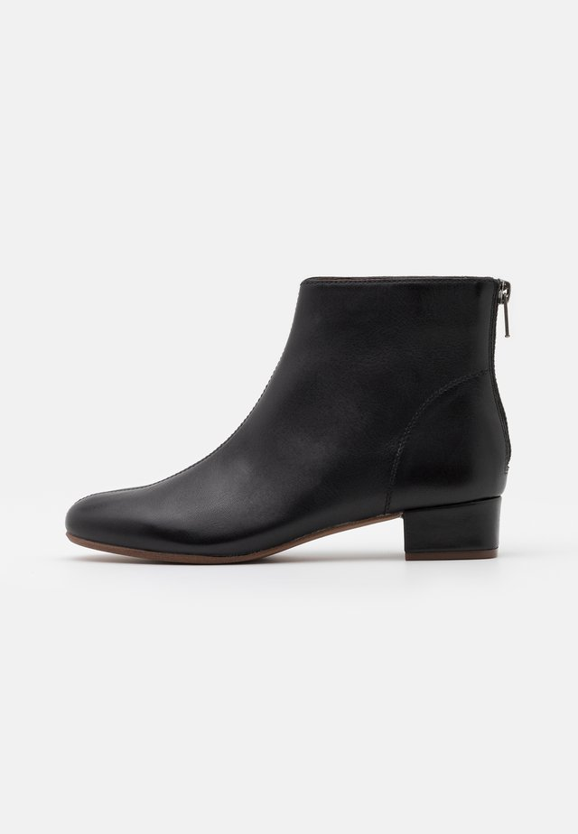 ETTA GLOVE BOOT  - Korte laarzen - true black