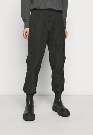 VMVELMA PANTS - Cargo trousers - black