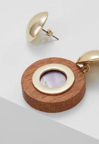 MAX&Co. - AFFABILE - Boucles d'oreilles - light gold-coloured/wood - 4