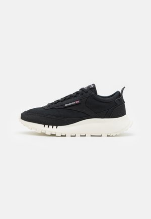 CLASSIC LEGACY GROW UNISEX - Sneakersy niskie - core black/chalk